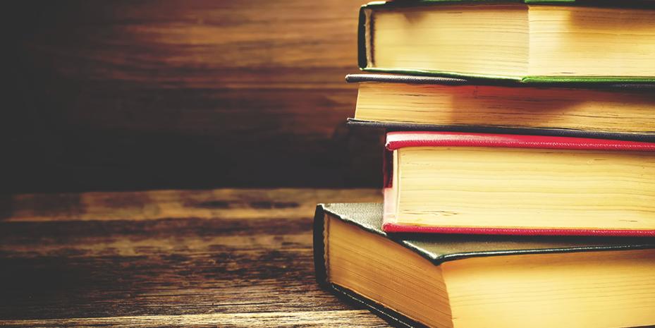 pile-of-books-929