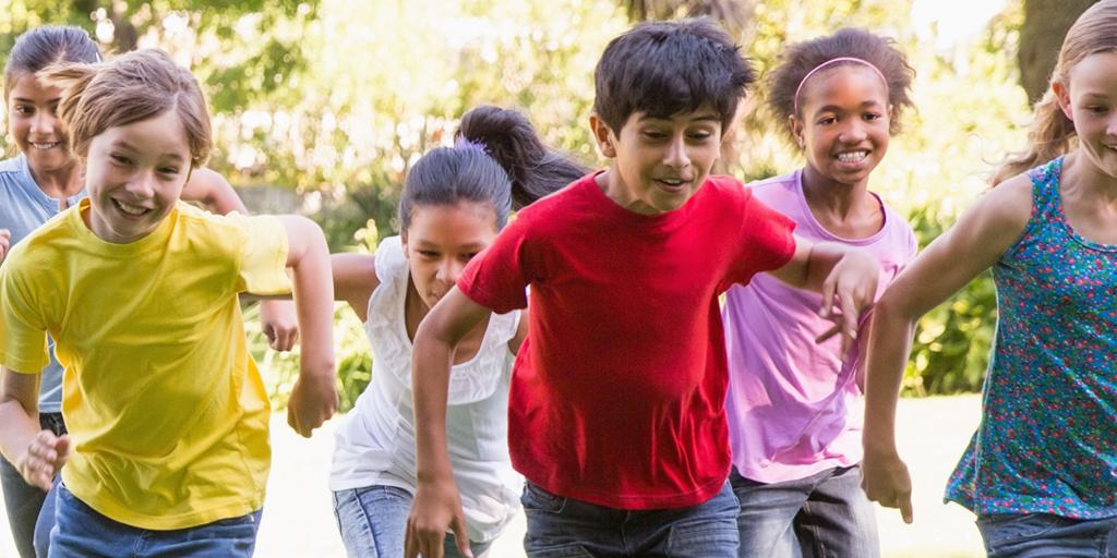 children-running-in-sunshine